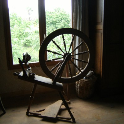 Métier à tisser  (rouet) fabriqué en Nouvelle-Zélande